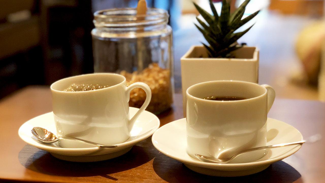 コーヒー豆が買えるお店「村上式珈琲焙煎店」は店内で試飲もできる
