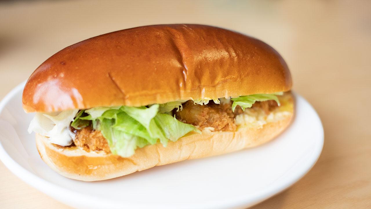 コッペパン専門店「パンの田島」の海老カツたまごがおいしい!