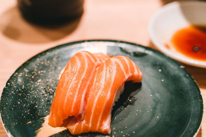 武蔵小山にある唯一の回転寿司「築地 銀一貫」でリーズナブルに寿司を堪能!