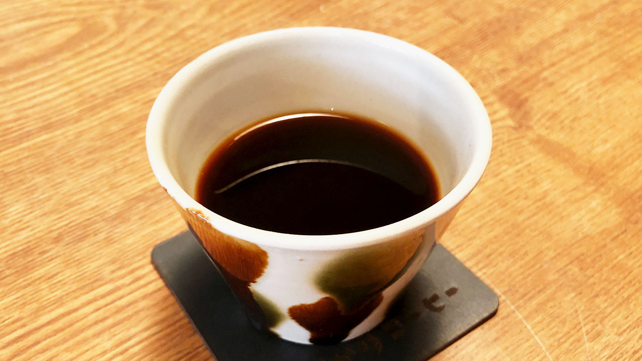 日曜限定営業の「やどかりコーヒー」でネルドリップのコーヒーをいただく
