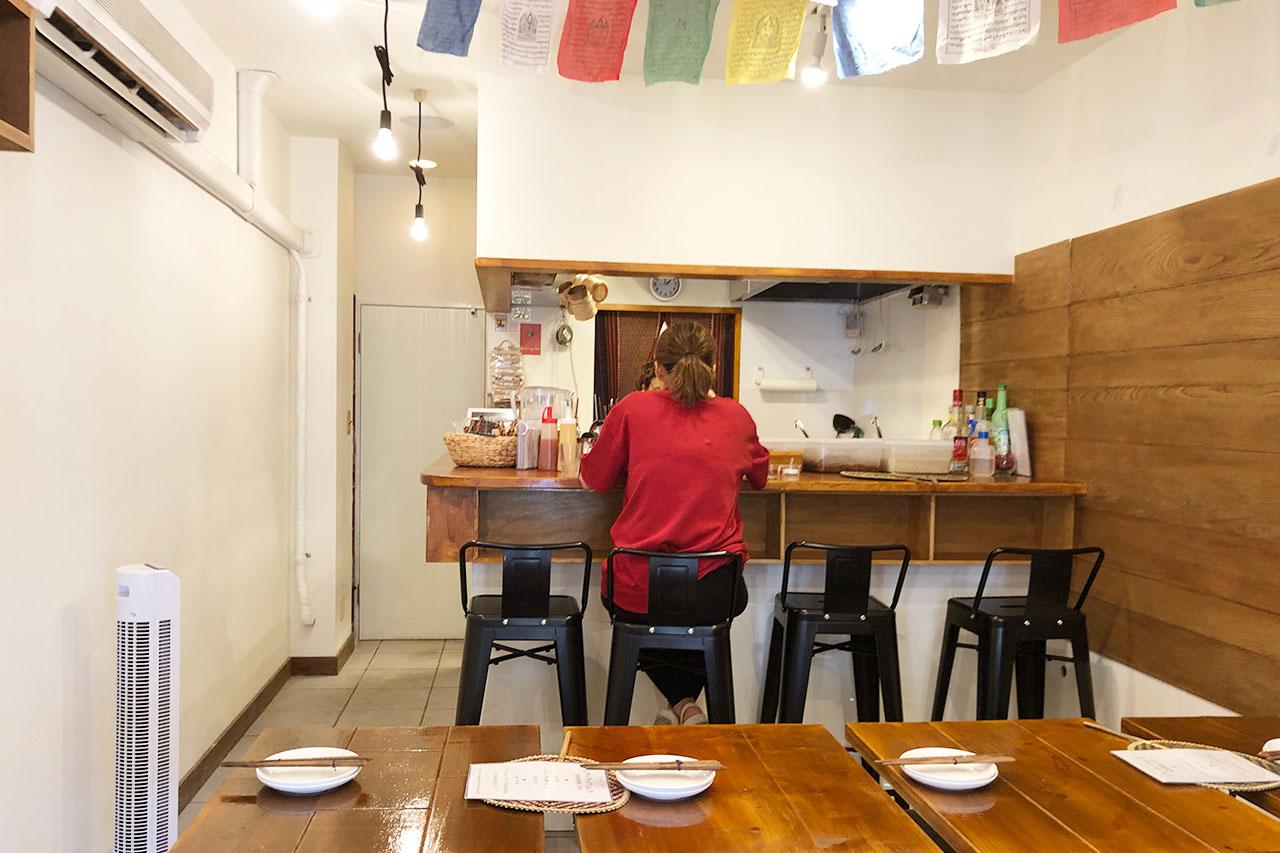 エキゾチックカフェCBCの店内