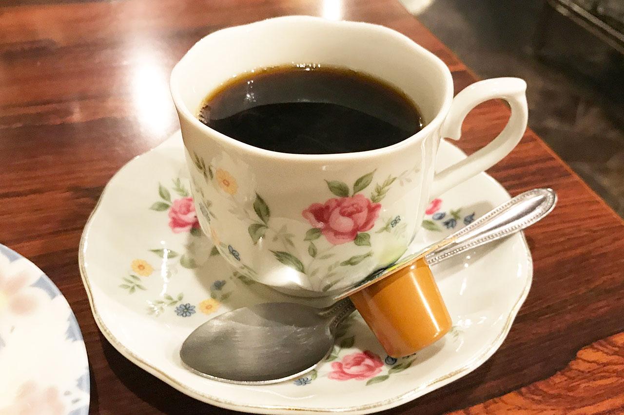 王様とストロベリーのコーヒー