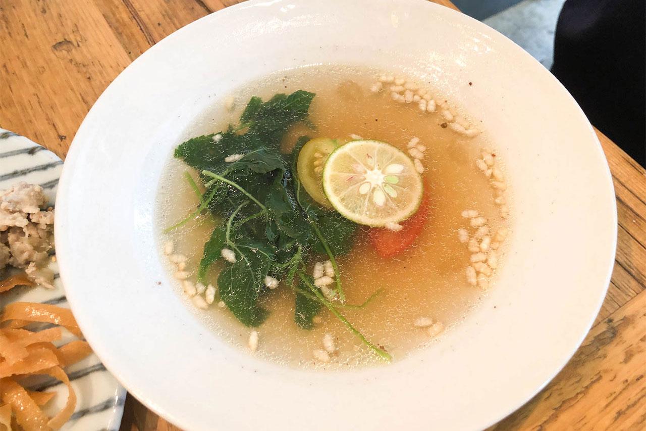 神山鶏のスープ