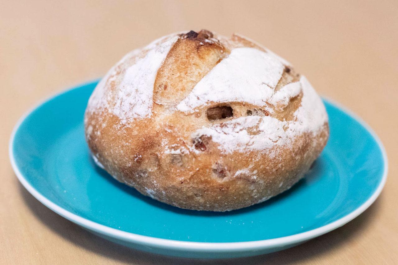 ロラソの栗とベーコンのパン