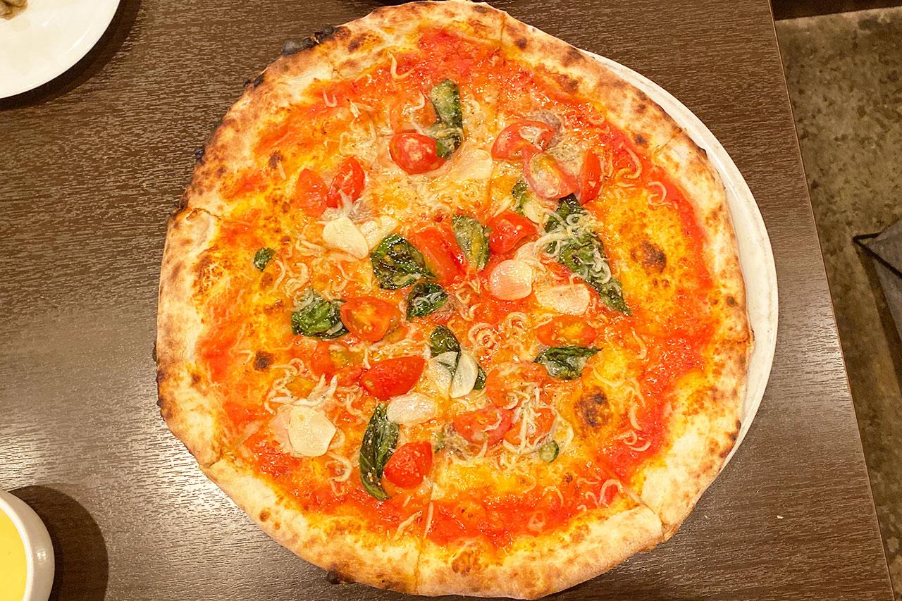 ピッツェリア ラ ロッサのランチのピザ「チチニエッリ」
