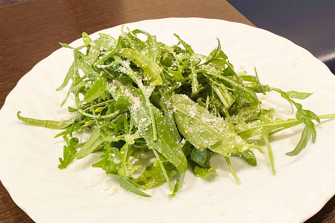 ピッツェリア ラ ロッサのランチのサラダ