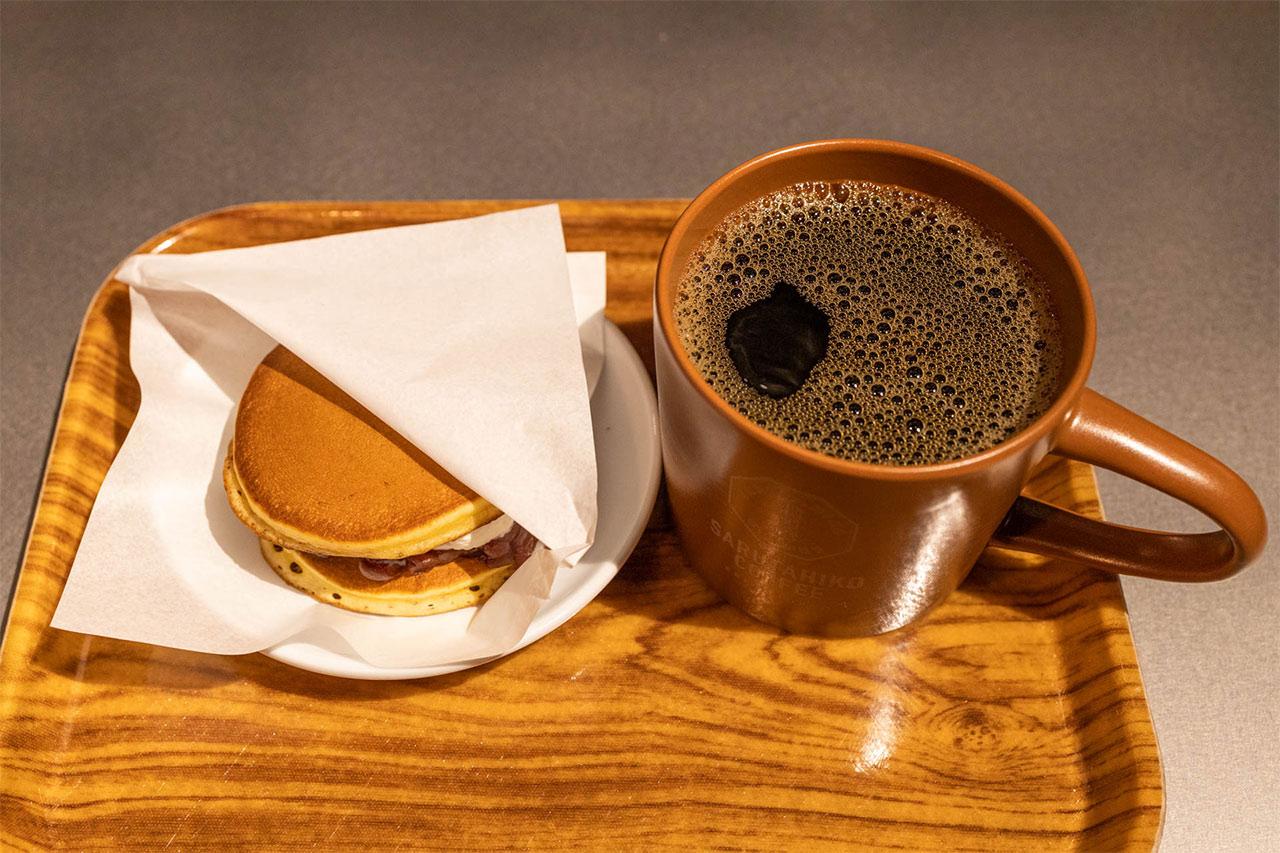 猿田彦珈琲のコーヒーとどら焼きをセットで